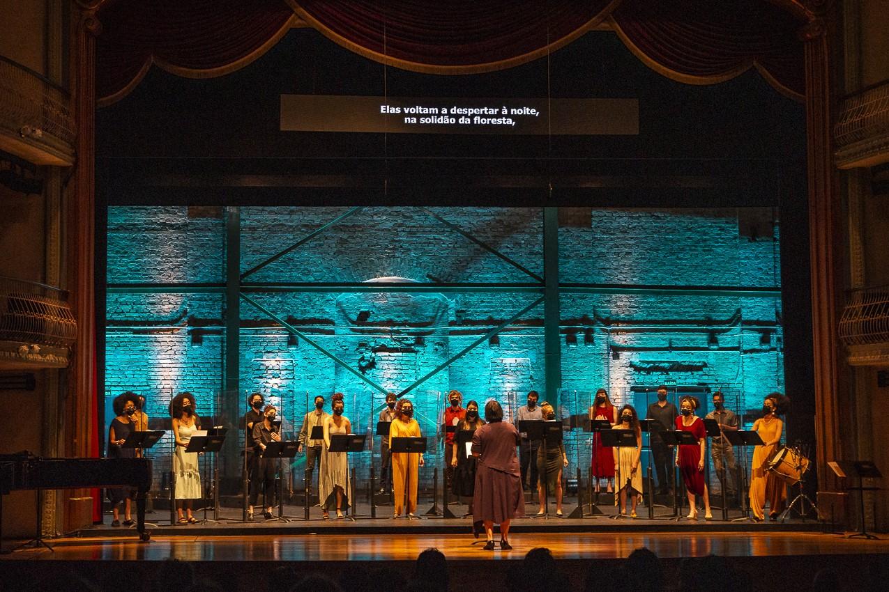 Coral Jovem do Estado apresenta programa que destaca obras de compositoras de diferentes período