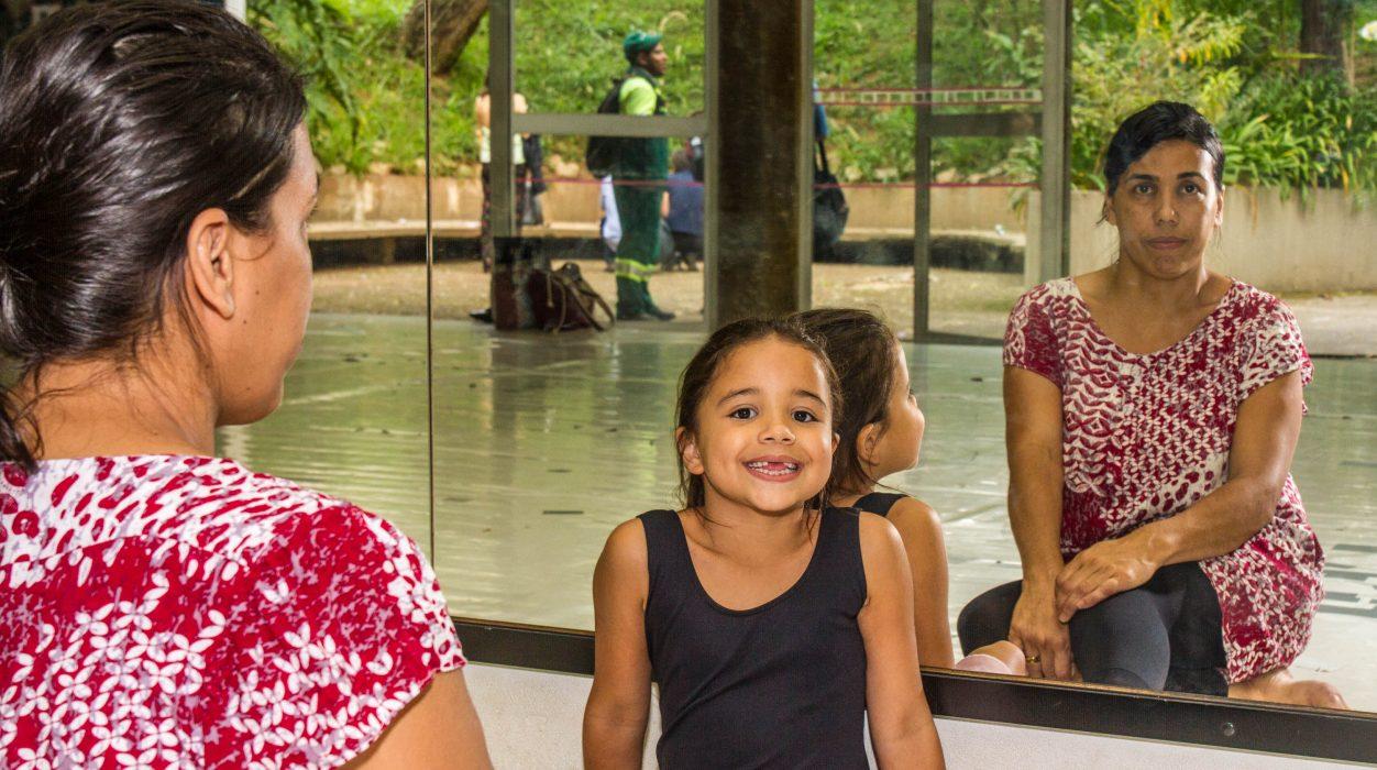 Ana Clara, uma das alunas da Escola - Foto: Joca Duarte